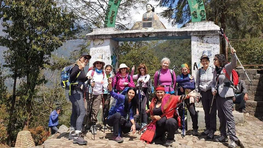 Trekkers ready to start off the trek from Lukla.