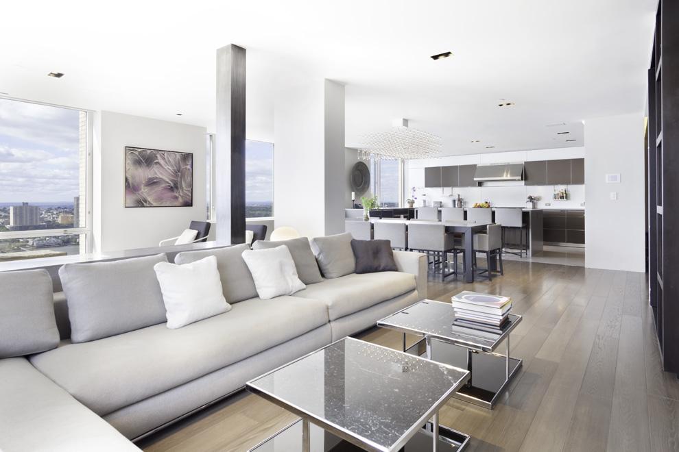 220 rsb  37d livingroom 2
