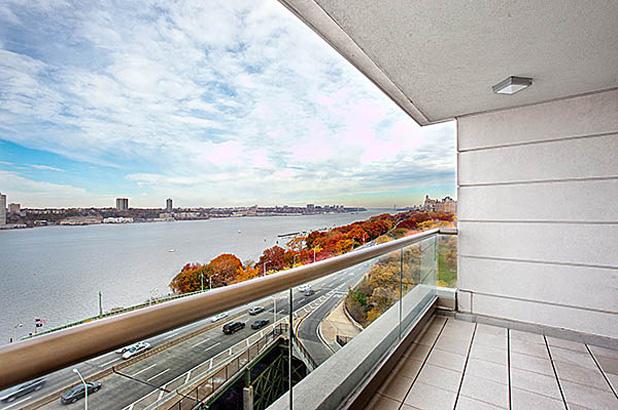 240rsb 10c balcony1
