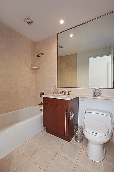 240rsb 10c secondbathroom