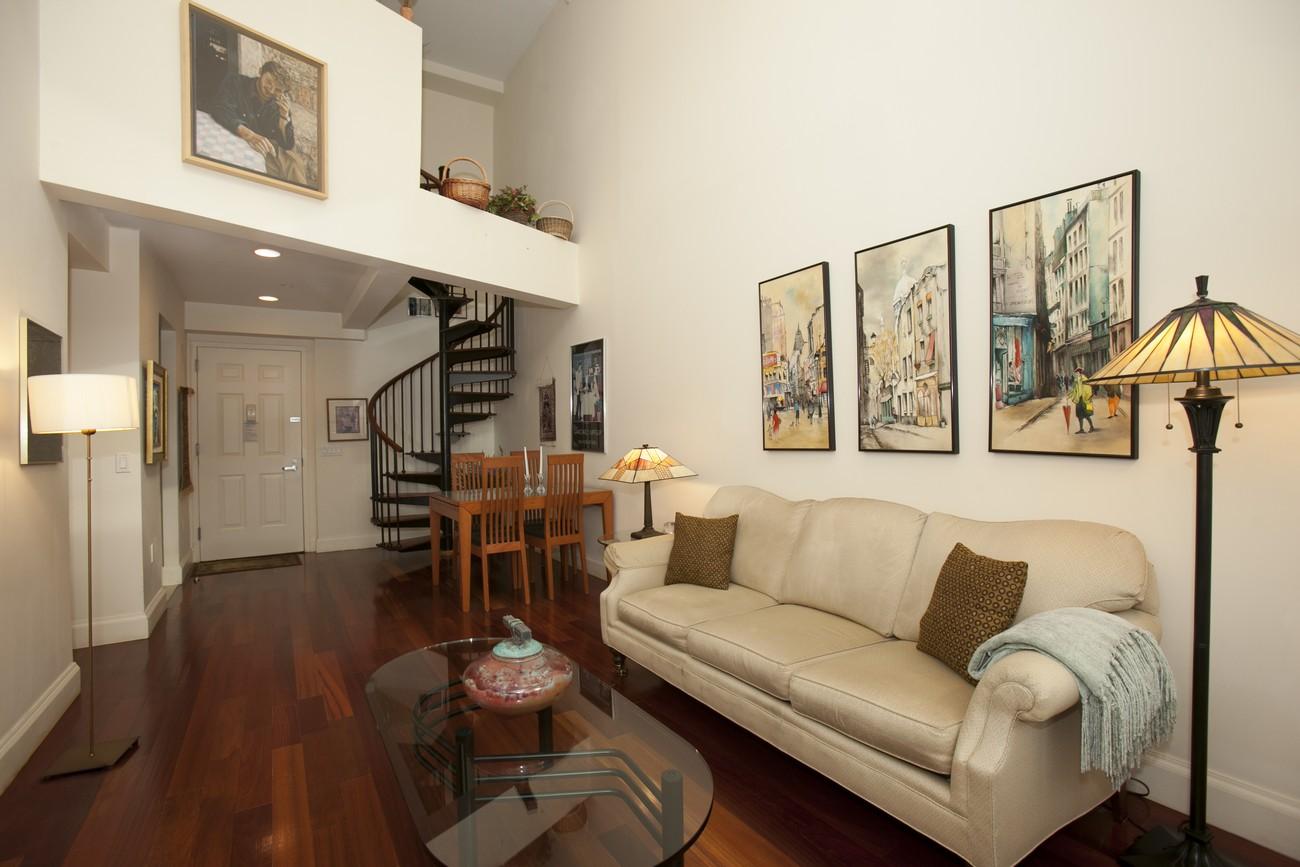 163 st nicholas 7b livingroom2