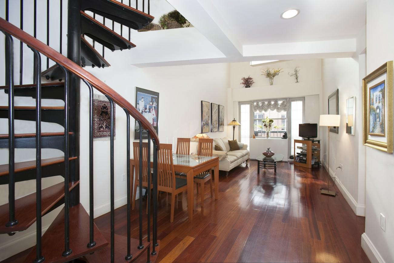163 st nicholas 7b livingroom1