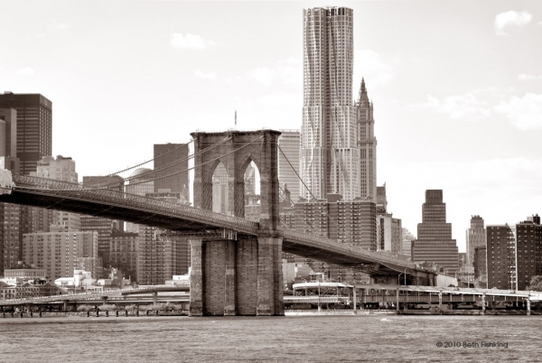 Brooklyn bridge and 8 spruce street beekman tower b749b743b742a6b2b991