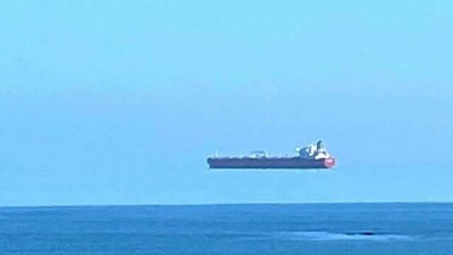 (Amazing) Scientists Say Photo Of  'Flying Cargo Ship' Is Real