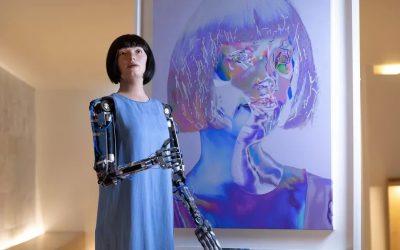 (Amazing) This Lifelike Robot Artist Creates Self-Portraits