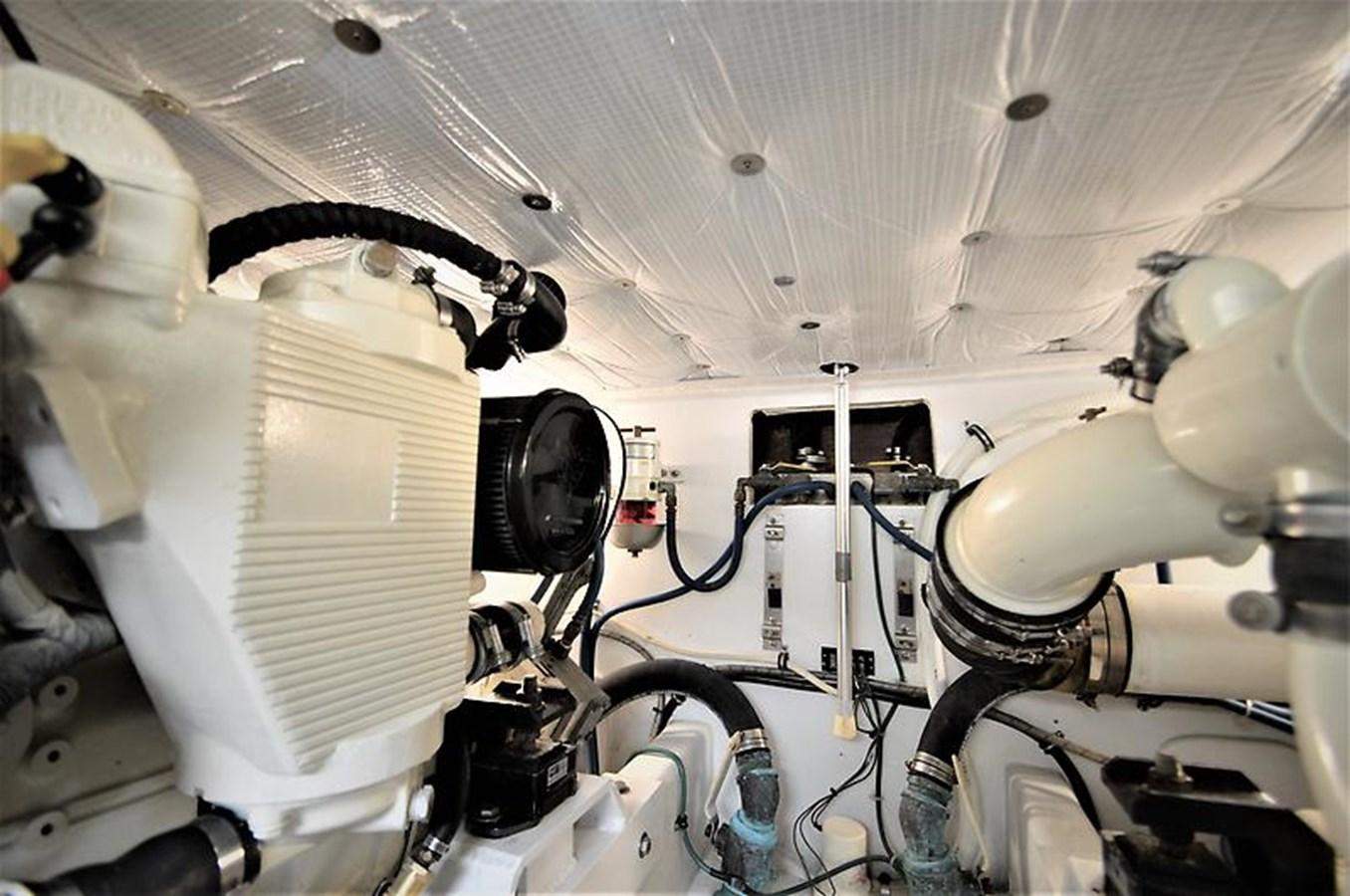 2001 Custom Rambo Fisharound Express Engine Room - 34 CUSTOM / RAMBO For Sale