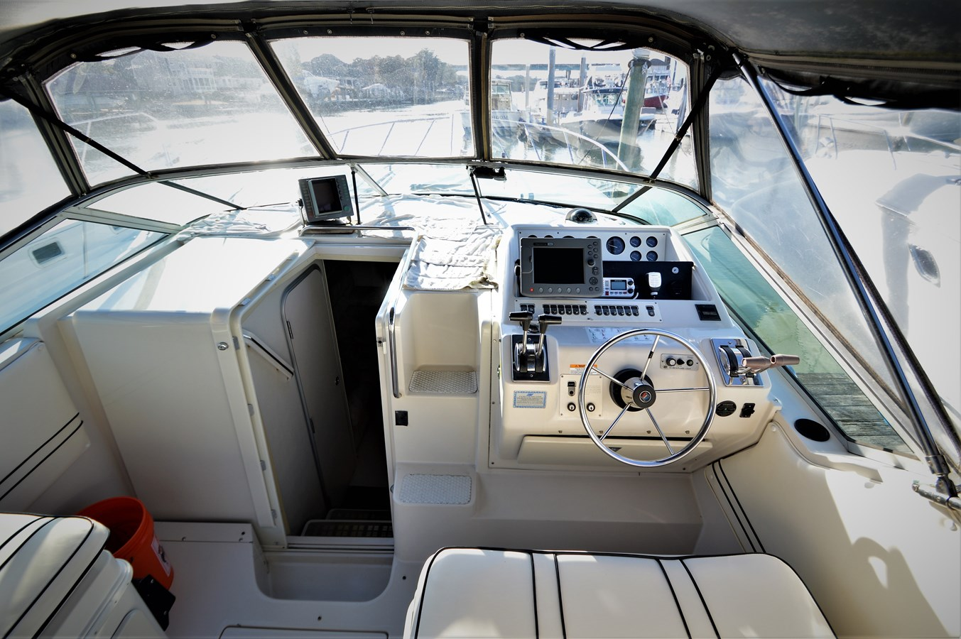 Helm - 32 WELLCRAFT For Sale