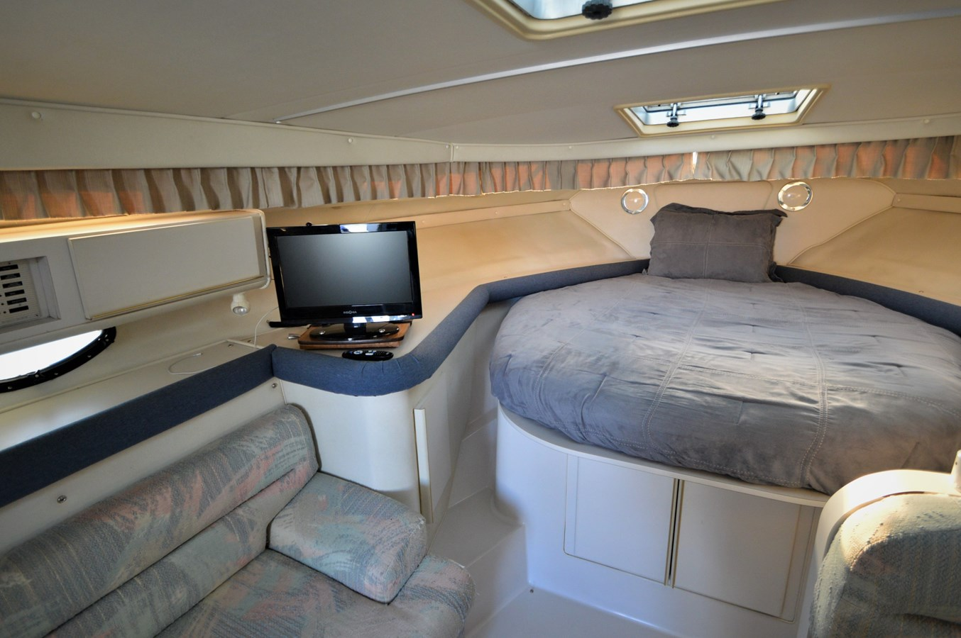 Berth - 32 WELLCRAFT For Sale