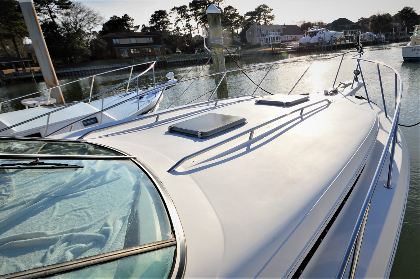 Foredeck - 32 WELLCRAFT For Sale