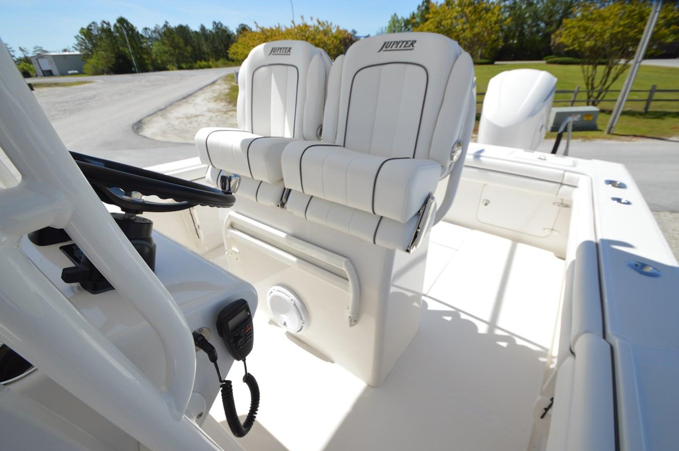 26 Jupiter Helm Seats - 26 JUPITER For Sale