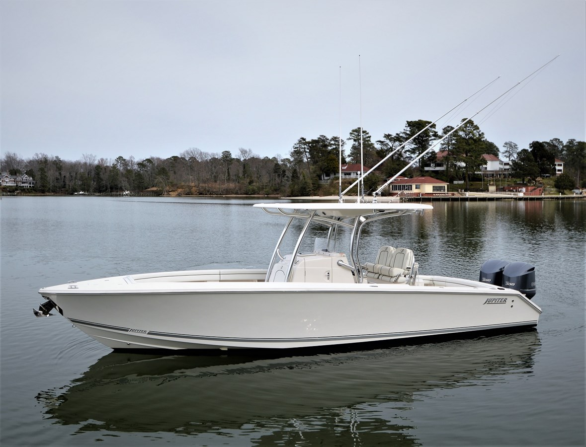 2016 HFS Center Console - 30 JUPITER For Sale