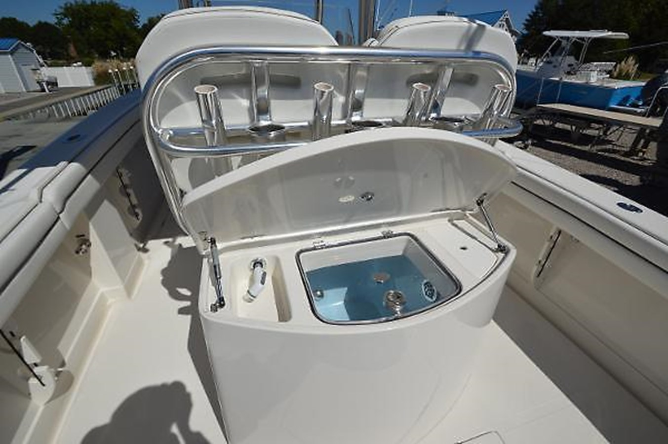 Livewell - 30 JUPITER For Sale