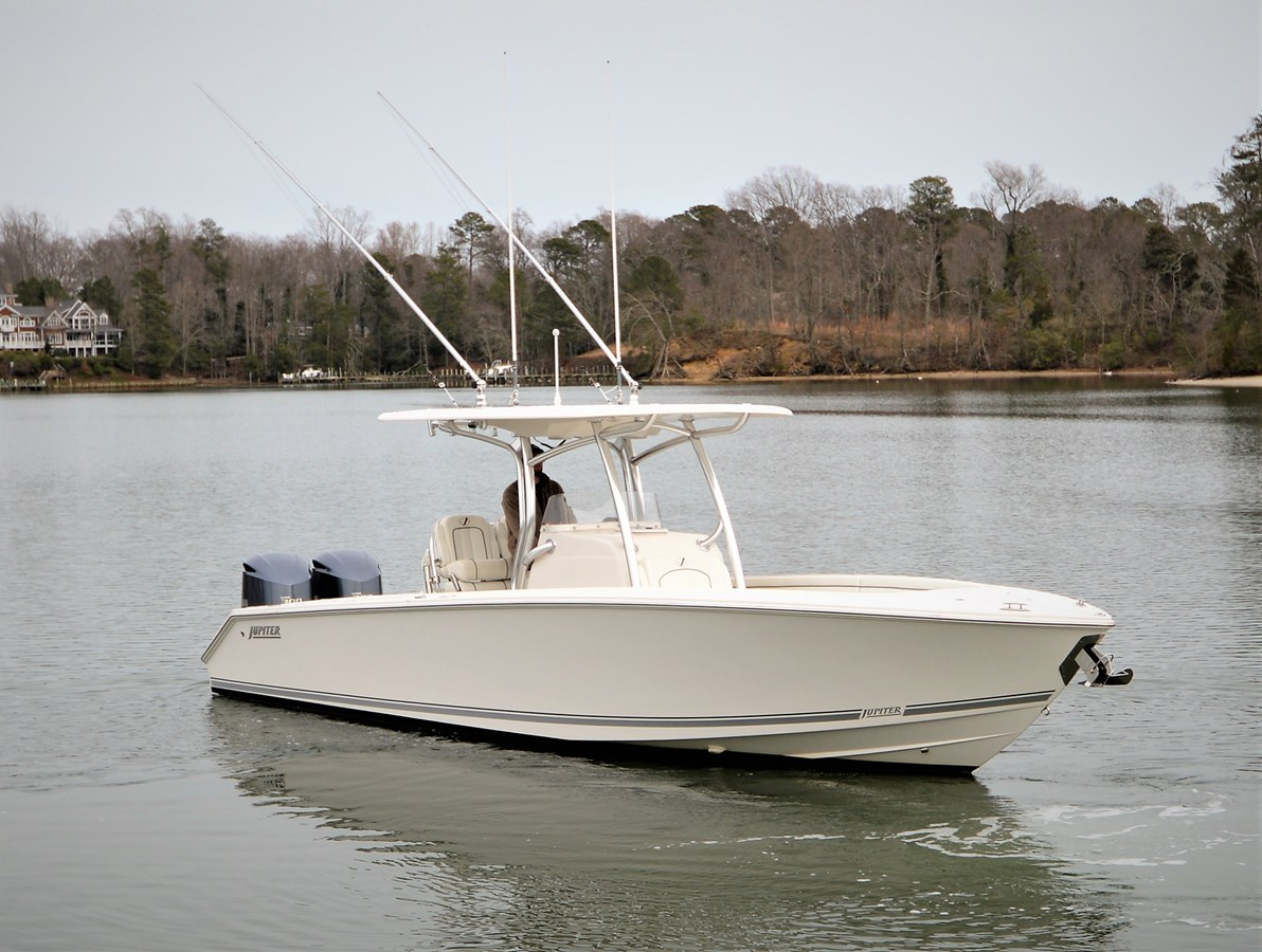 Stbd Bow - 30 JUPITER For Sale