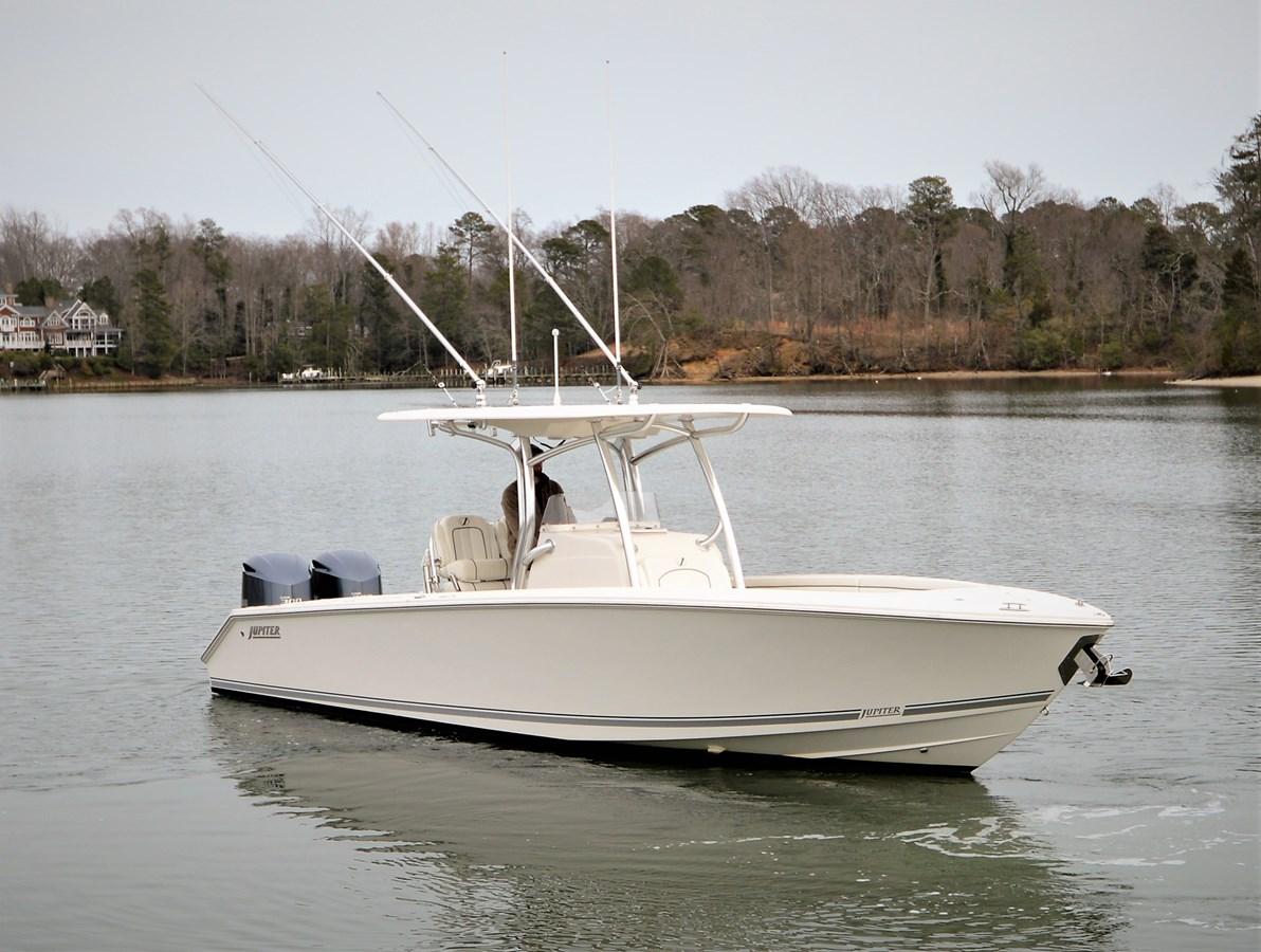Stbd Bow - 30 JUPITER For Sale