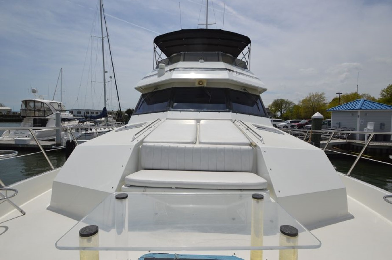 Foredeck Looking Aft - 54 HATTERAS For Sale