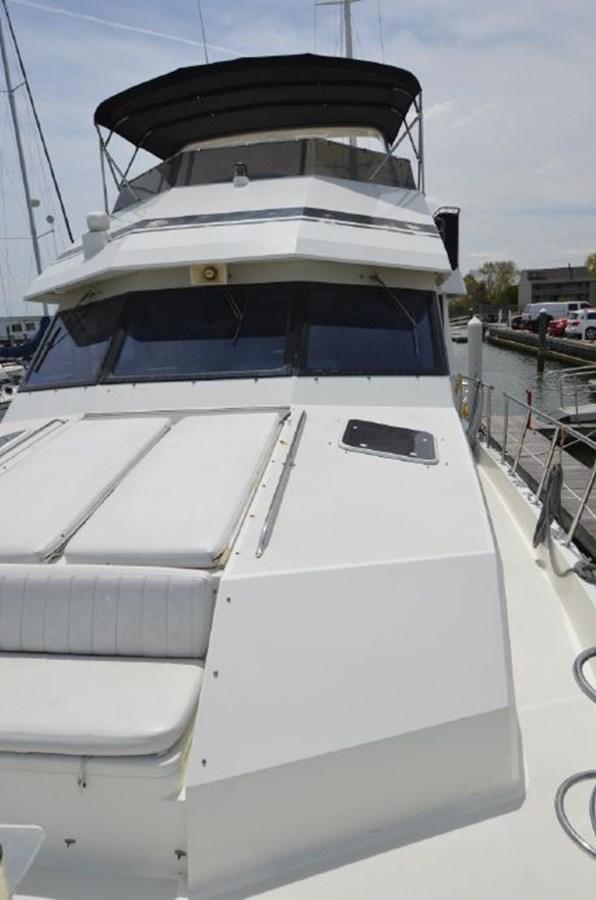 Port Foredeck - 54 HATTERAS For Sale