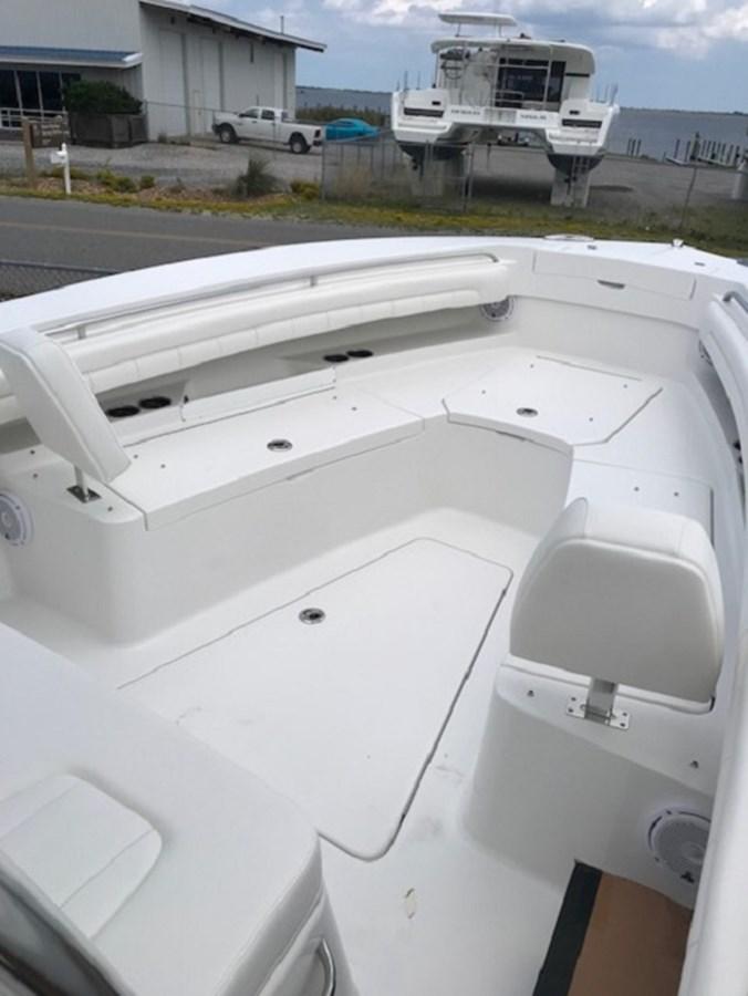 Bow - 28 REGULATOR For Sale