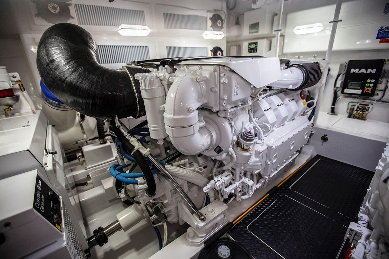 48 Viking Engine Room - 48 VIKING For Sale