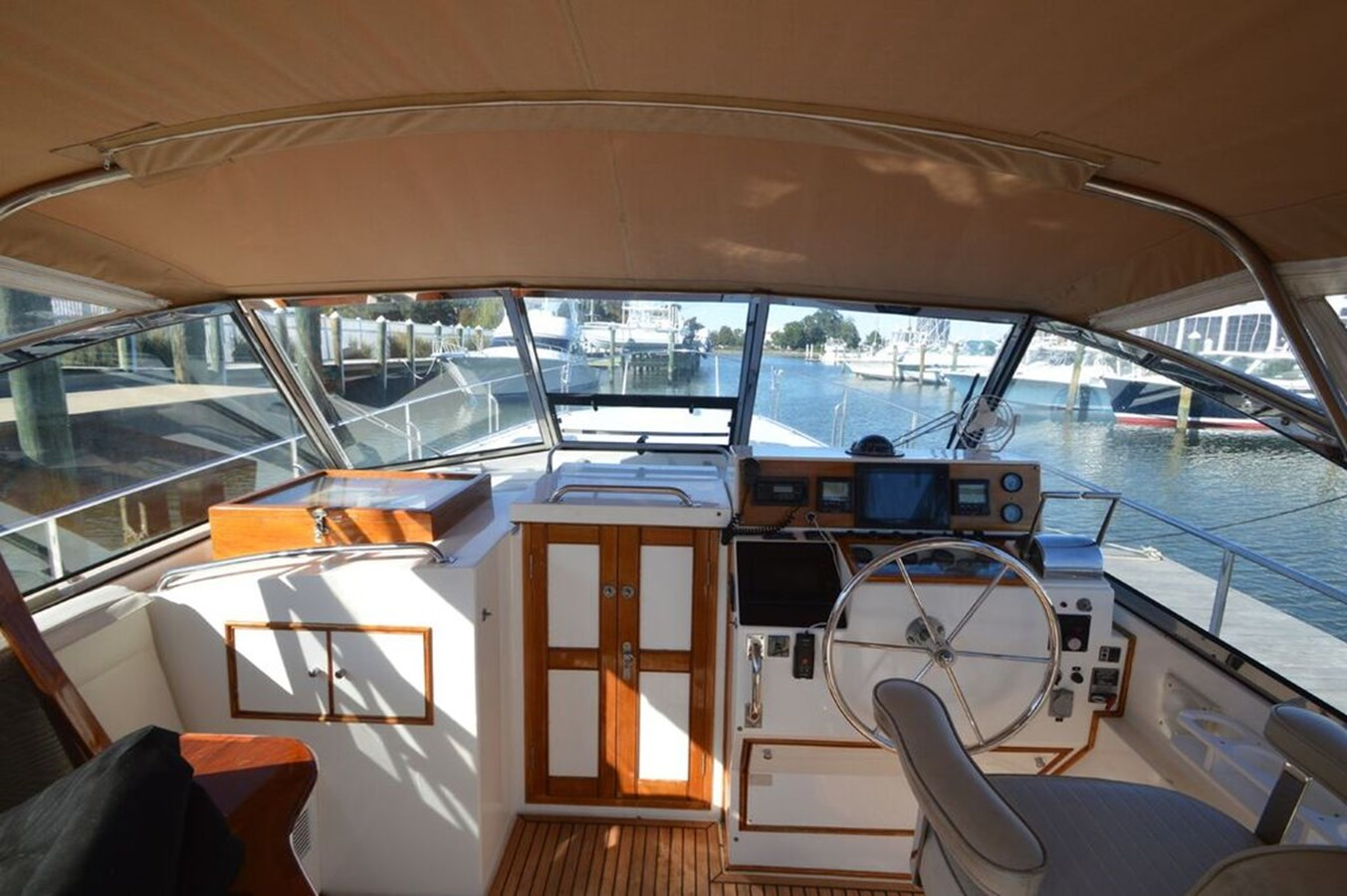 Helm - 38 GRAND BANKS For Sale