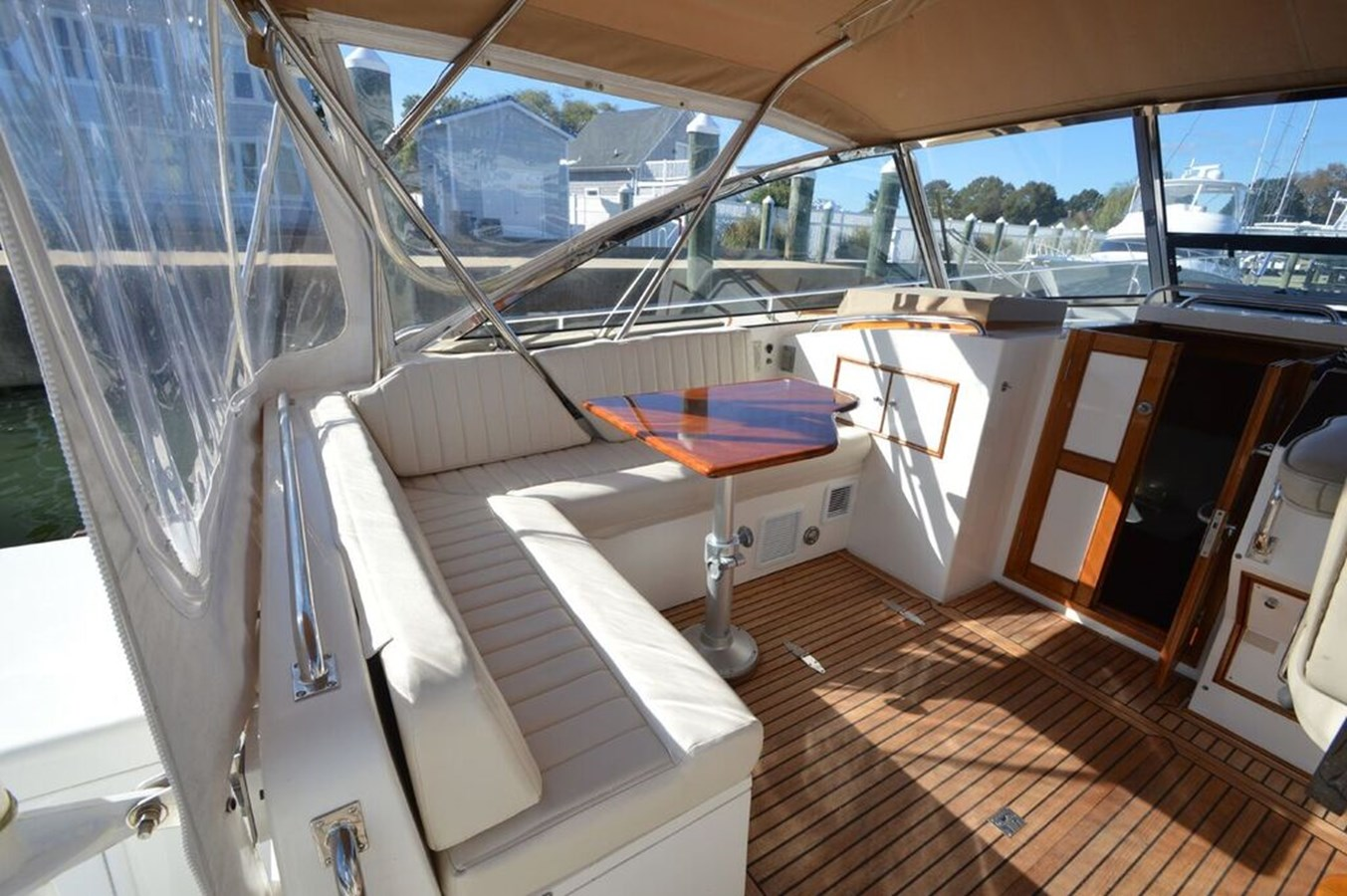 Helm Seating - 38 GRAND BANKS For Sale