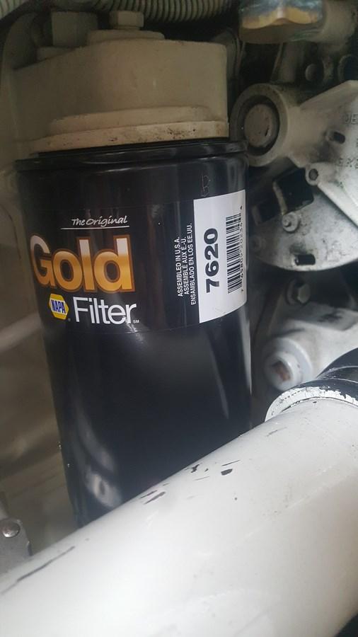 oil filter - 34 HATTERAS For Sale