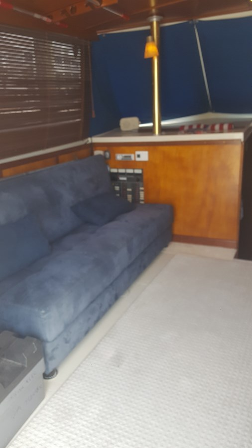 PortsideCouch(spares storage) - 34 HATTERAS For Sale