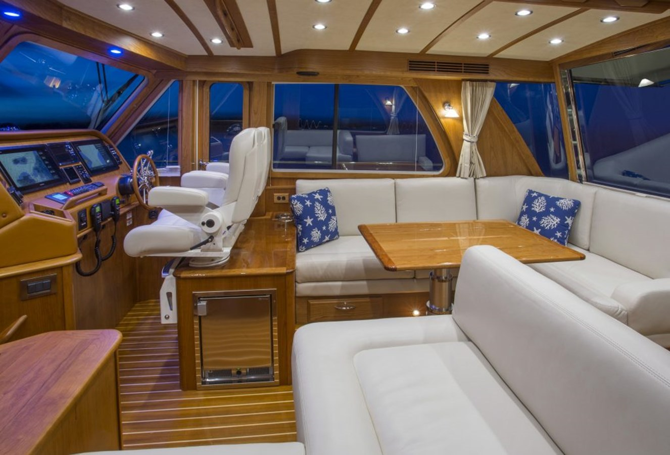 Helm - 48 SABRE YACHTS For Sale
