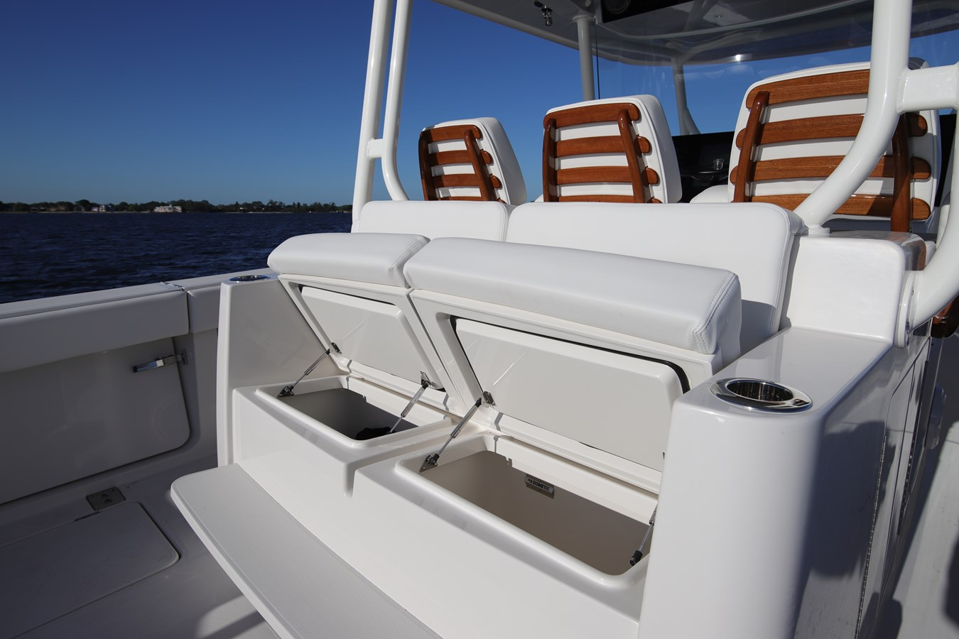Aft Seating - 43 JUPITER For Sale