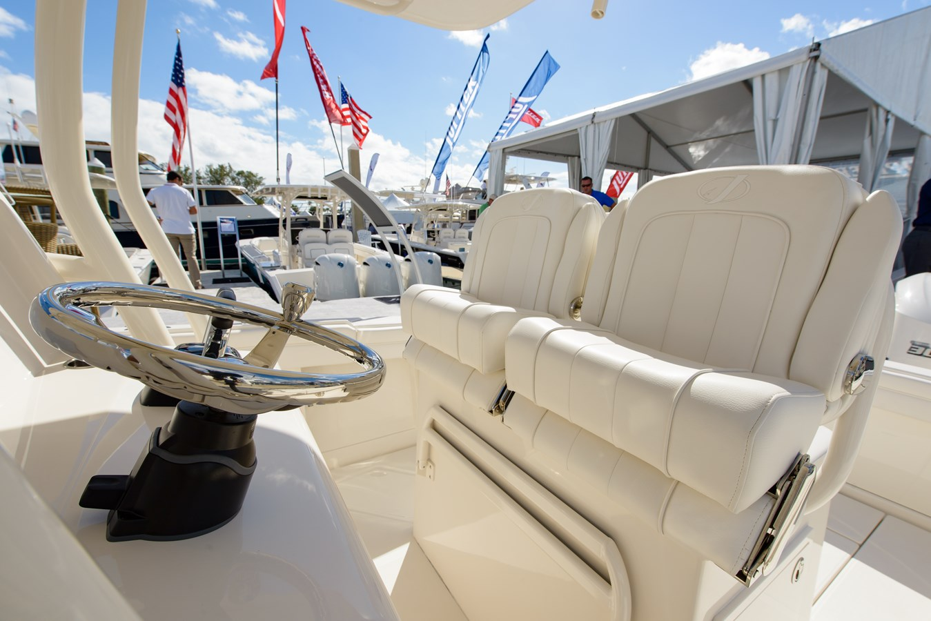 Double Helm Seats with Flip-Up Bolsters and Armrests - 30 JUPITER For Sale