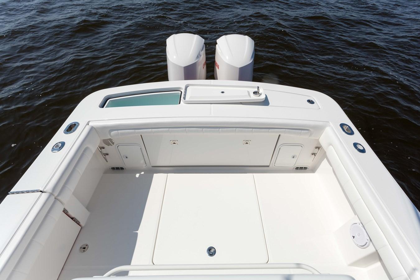31-regulator-center-console-boat-transom-fishbox-yamaha-outboard - 31 REGULATOR For Sale