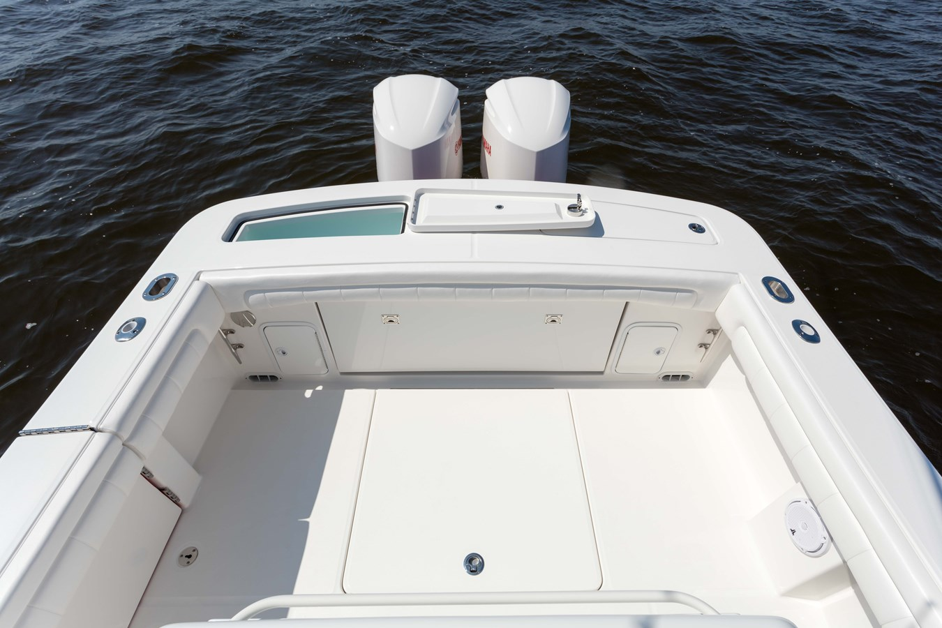 31-regulator-center-console-boat-transom-fishbox-yamaha-outboard - 31 REGULATOR For Sale