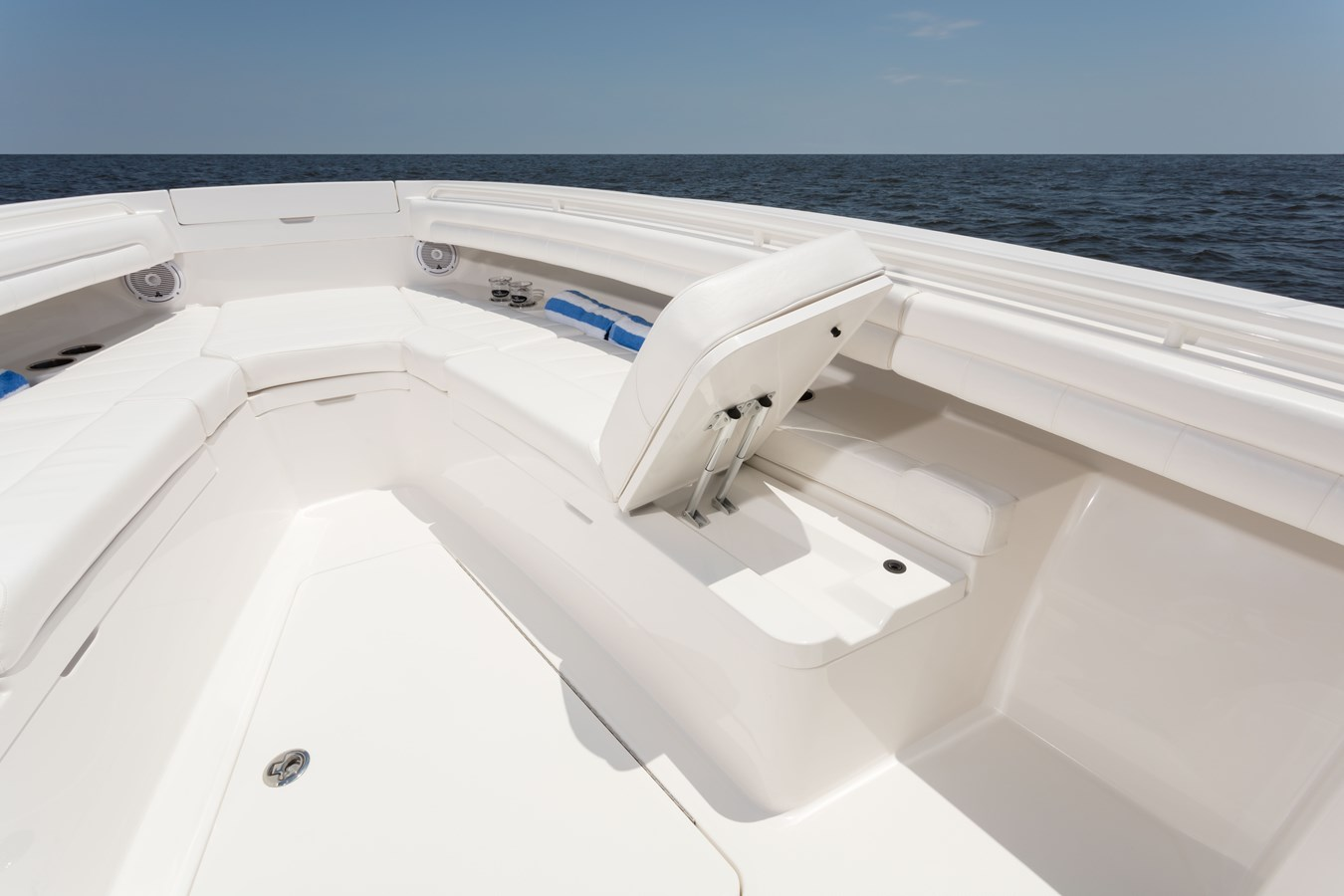 31-regulator-center-console-boat-forward-seat-backrest - 31 REGULATOR For Sale