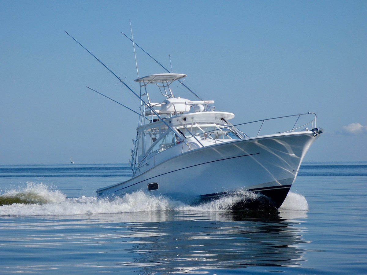 2011 Luhrs 37IPS Canyon Series - 38 LUHRS For Sale