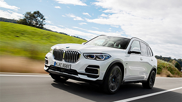 Sustainable tires for BMW X5 Plug-in Hybrid: BMW Group becomes first automotive manufacturer to use new Pirelli tires containing FSC-certified natural rubber and rayon