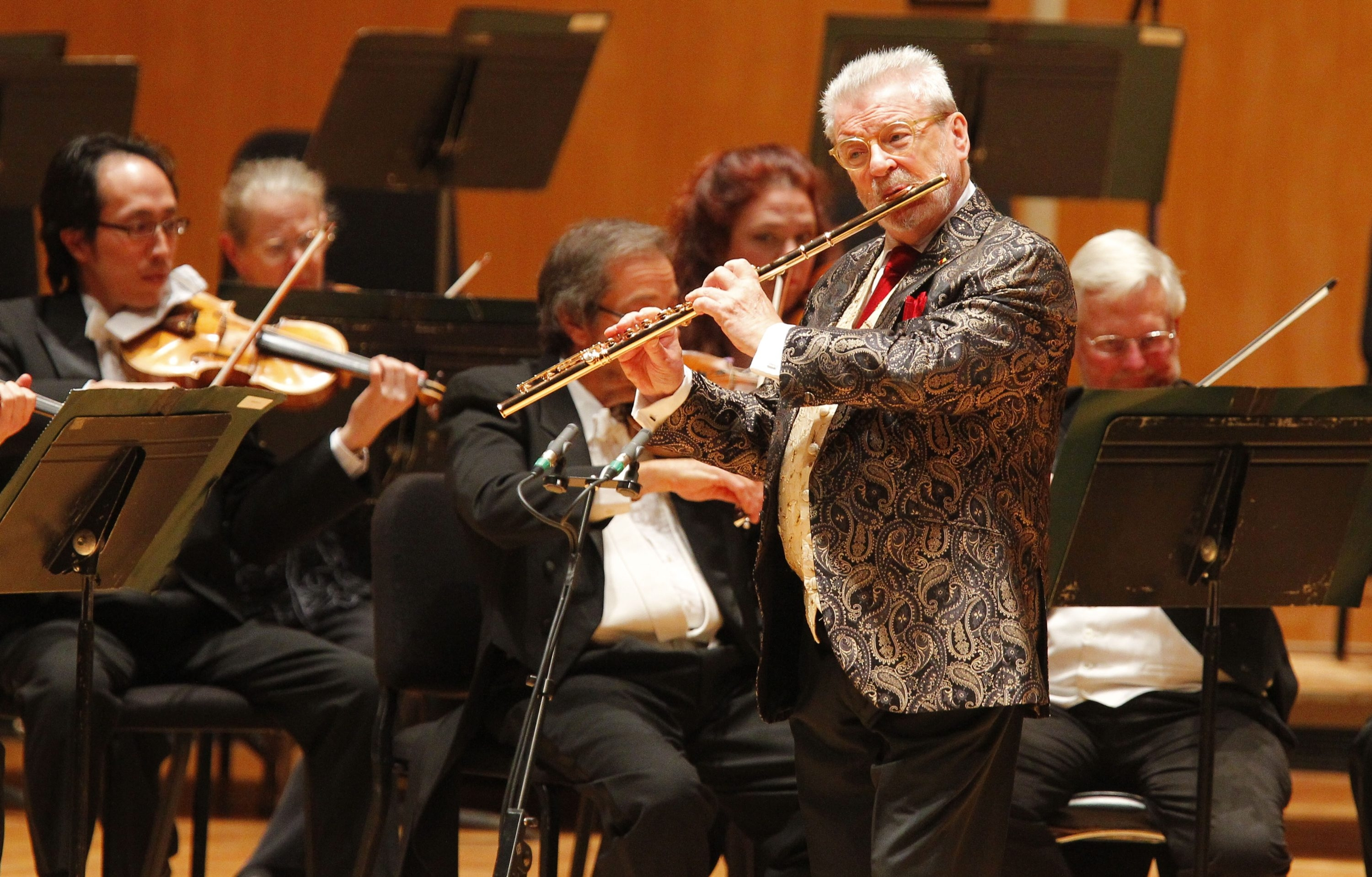 John Hickey/Buffalo News    Sir James Galway plays the flute during the Buffalo Philharmonic Orchestra's season-opening gala in Kleinhans Music Hall  Saturday.