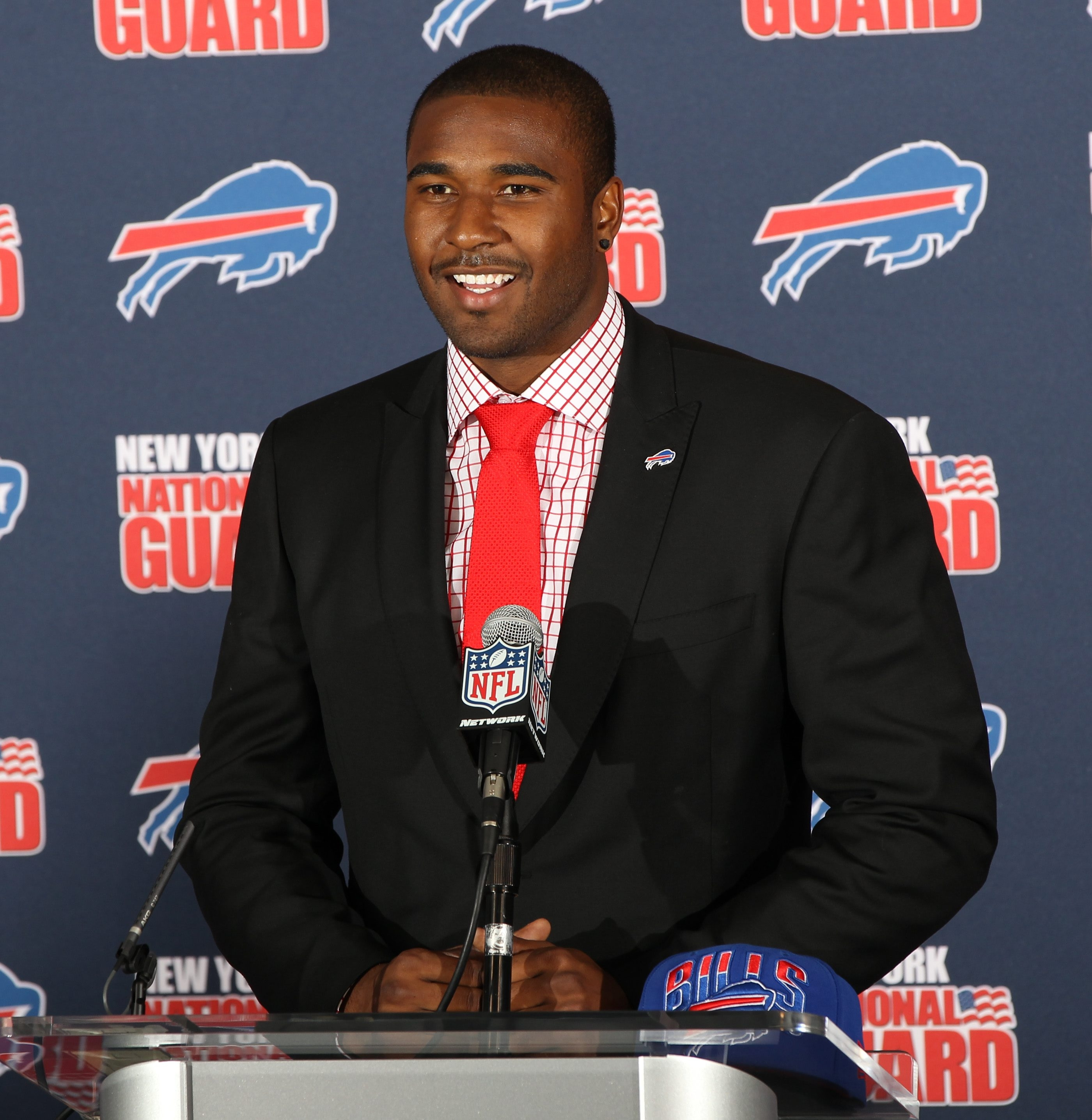 'I expect to come in and compete,' EJ Manuel told reporters Friday. (James P. McCoy/Buffalo News)