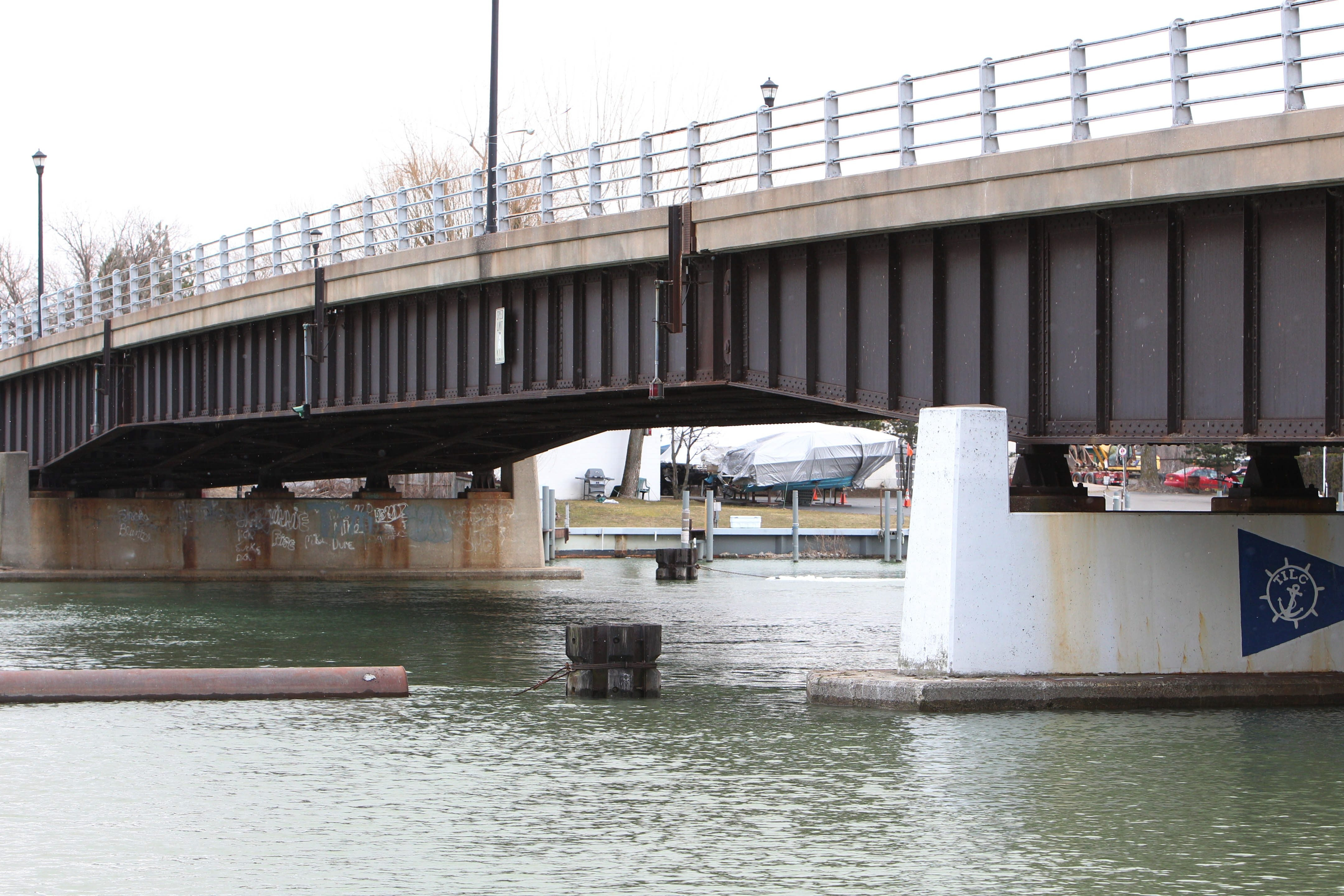 The North Tonwanda Common Council on Tuesday approved a project to repair the salt-eroded Durkee Memorial Bridge, which connects North Tonawanda and Tonawanda Island.