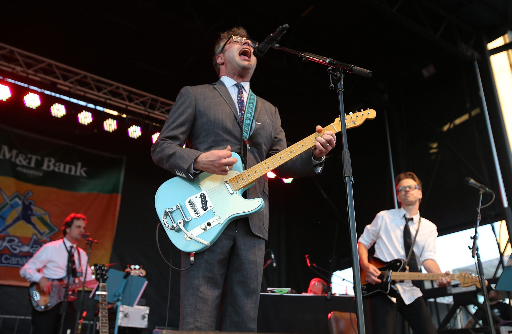 Steven Page, sporting a suit and tie, brought his versatile band to back his mix of solo hits, eccentric covers and old BNL classics.