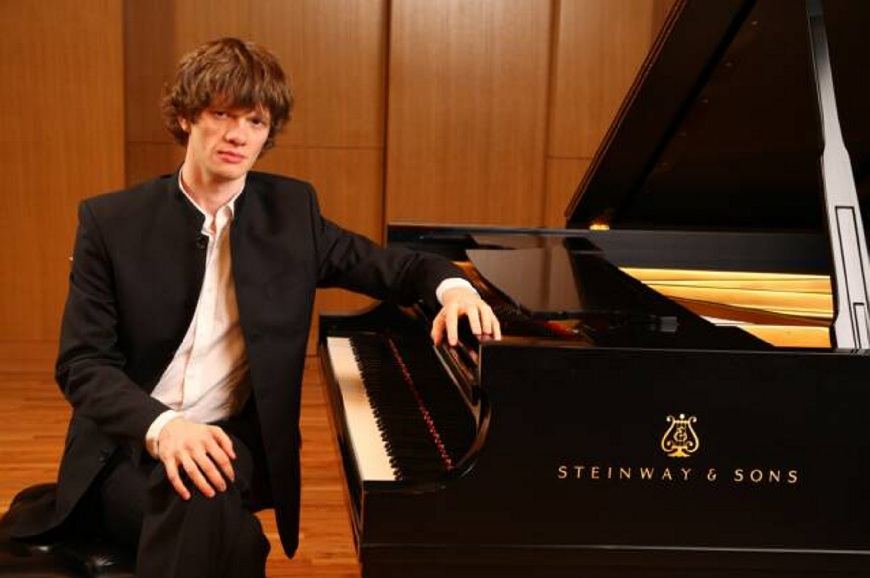 Arsentiy Kharitonov does justice to the extraordinary music of Leo Ornstein.