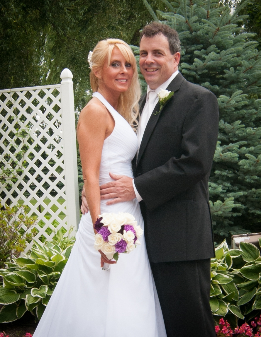 Donna Genson and Francis Lewis wed in Joseph's Country Manor