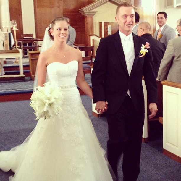 Julie Long and Jon Jankowski are wed in Clarence