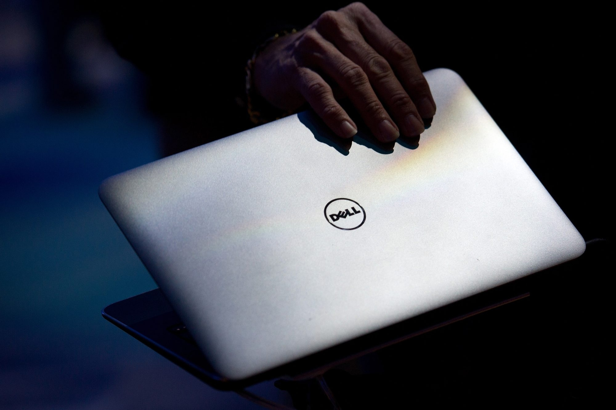 The Dell Latitude 6430u laptop is emitting an odor like cat urine that is related to the manufacturing process and has been remedied, the company said.