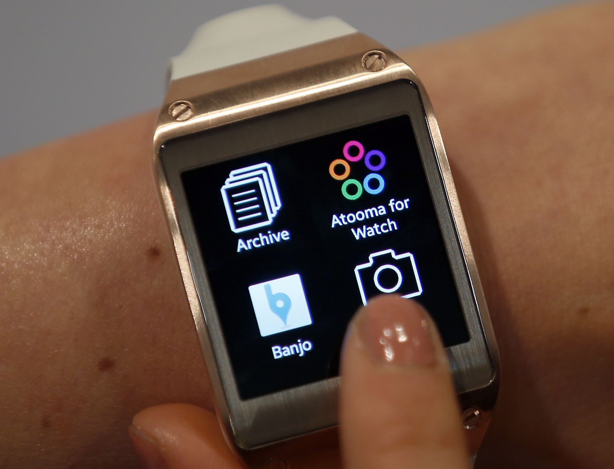 The Galaxy Gear costs $300, and for now it only works with the Galaxy Note 3.