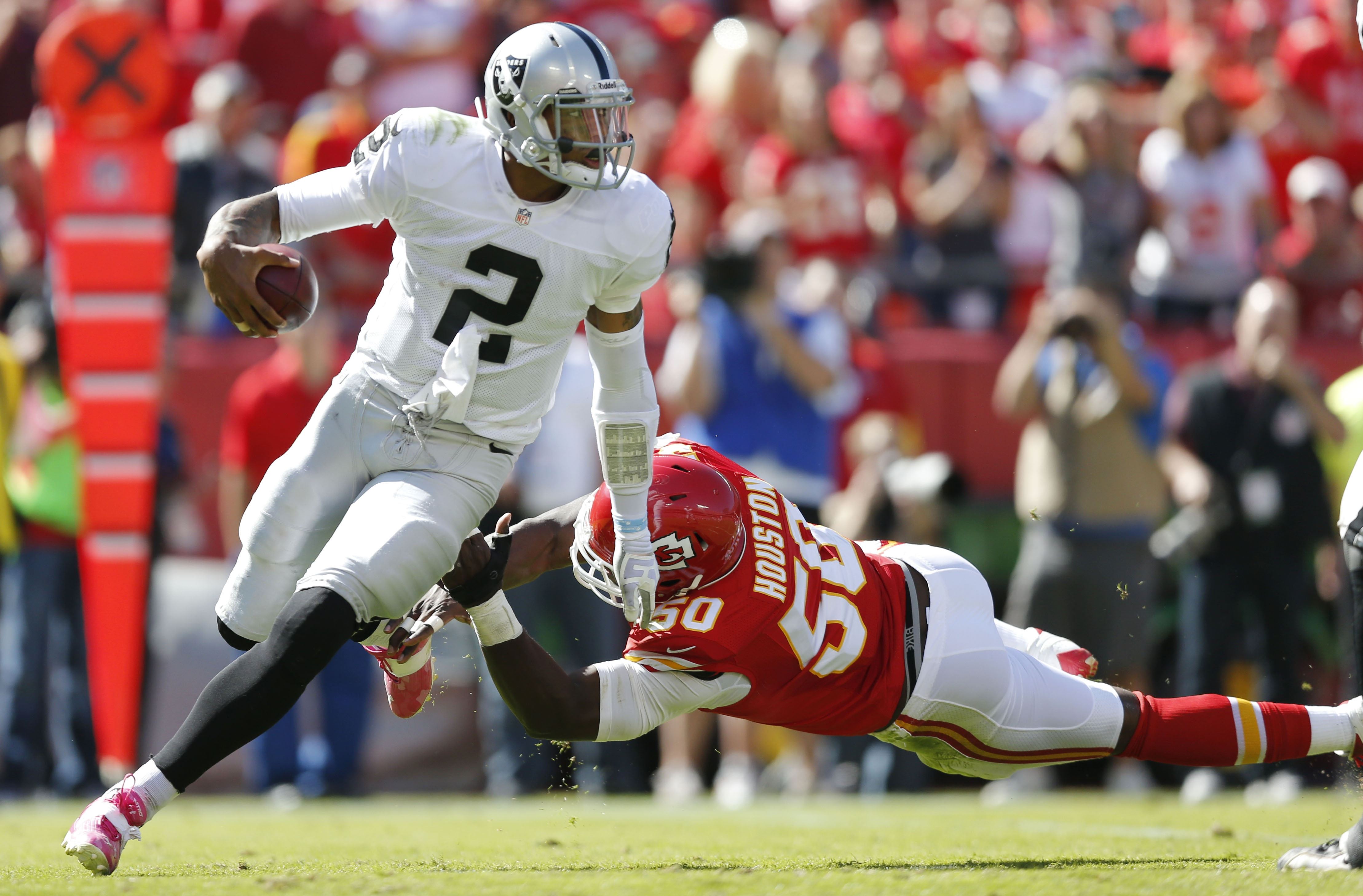 Oakland quarterback Terrelle Pryor is the team's leading rusher and is looking to go 3-0 as a starter at home.
