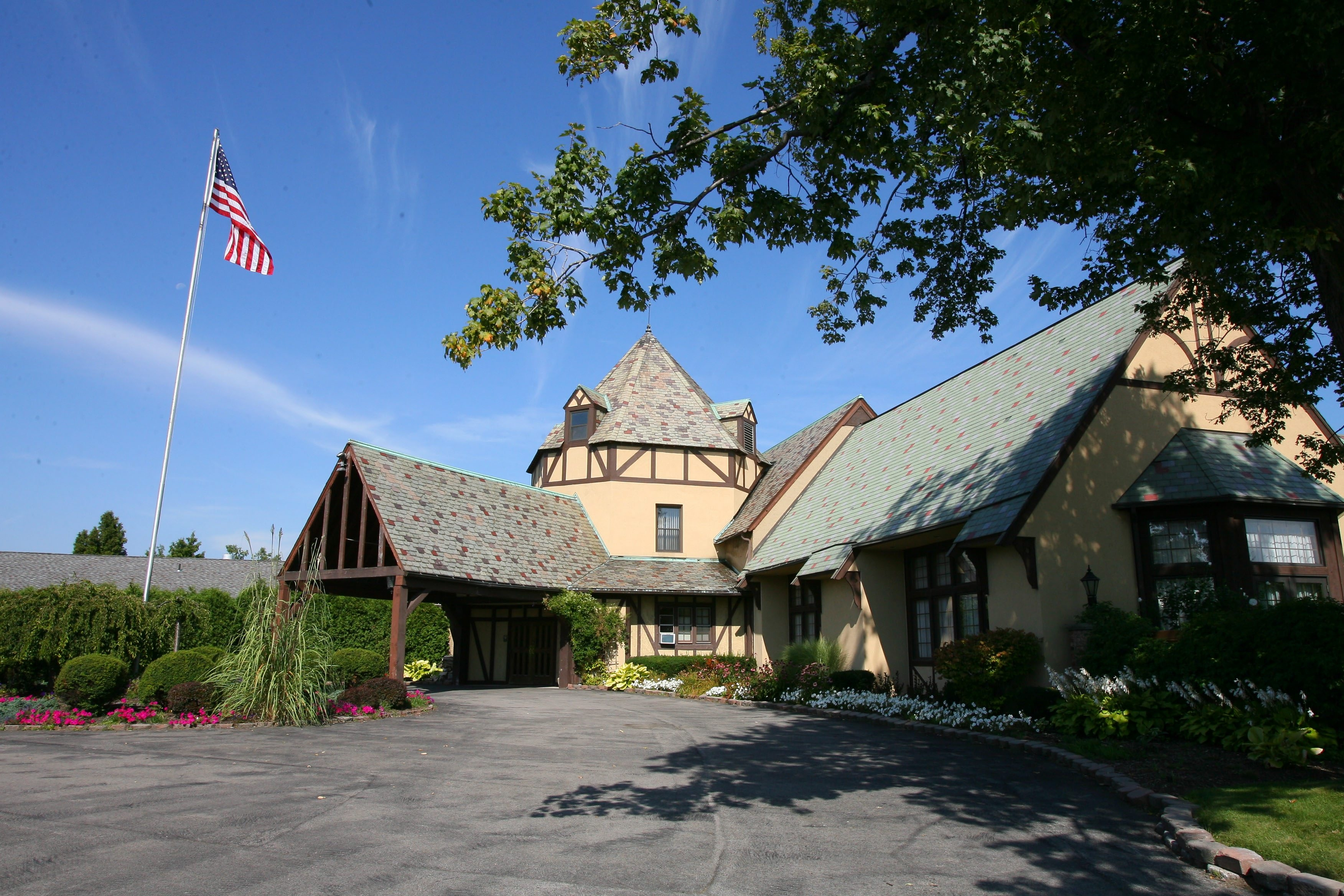 Owners of the Westwood Country Club are still trying to swap of the club with the Town of Amherst.