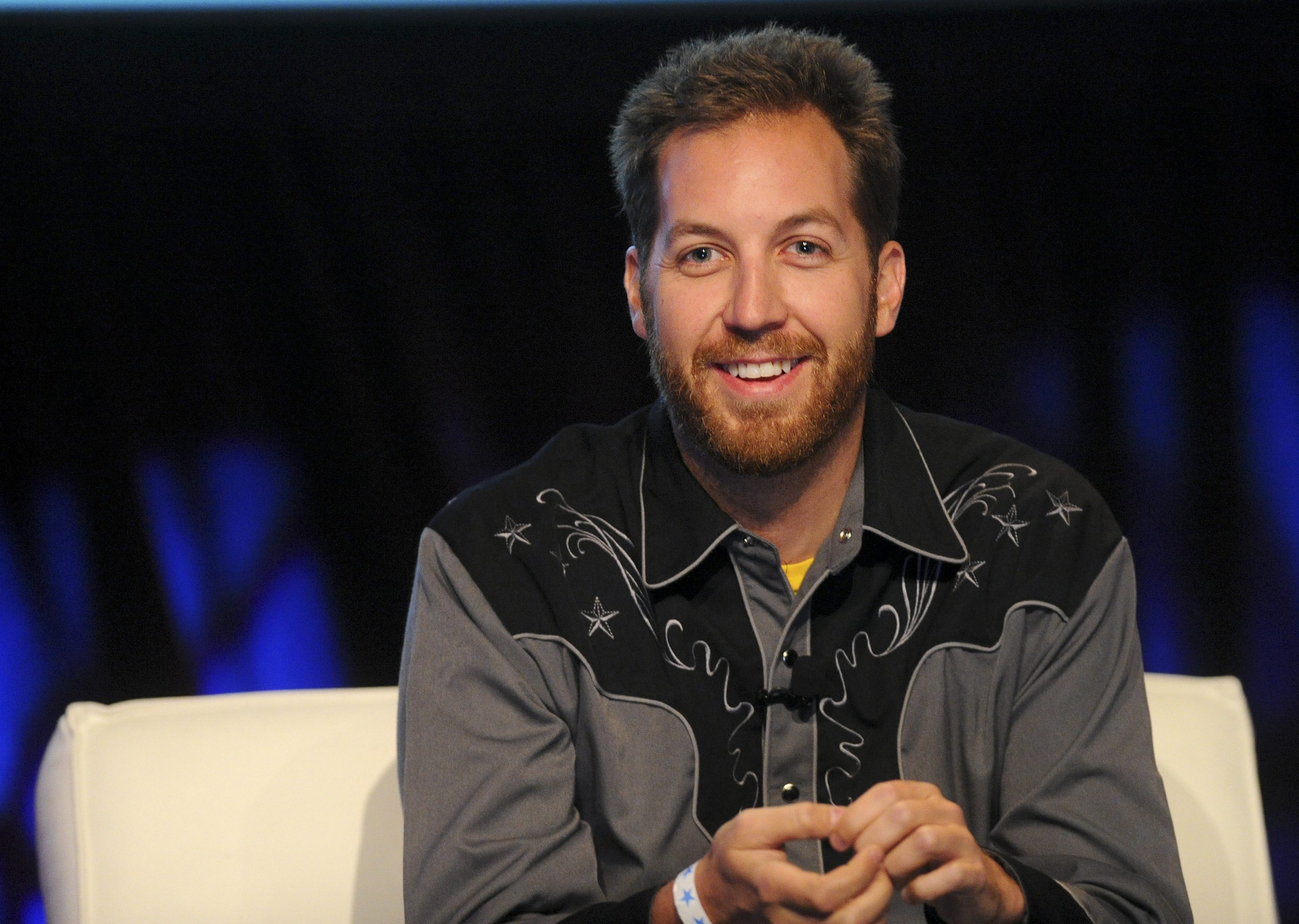 Chris Sacca's investment in the social network Twitter now has a value of around $1 billion.