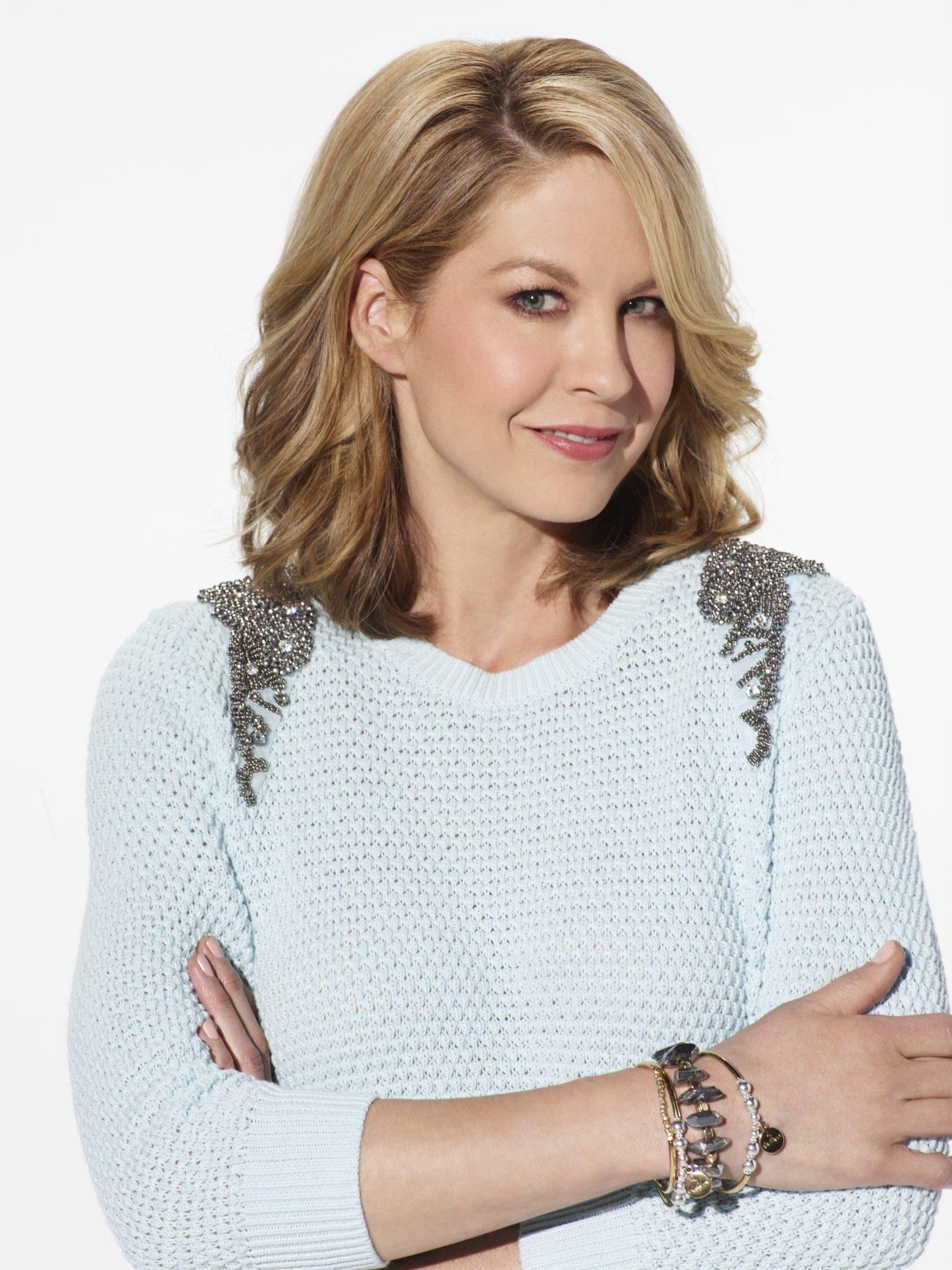 "Jenna Elfman plays mom Joyce in NBC's ""Growing Up Fisher."""