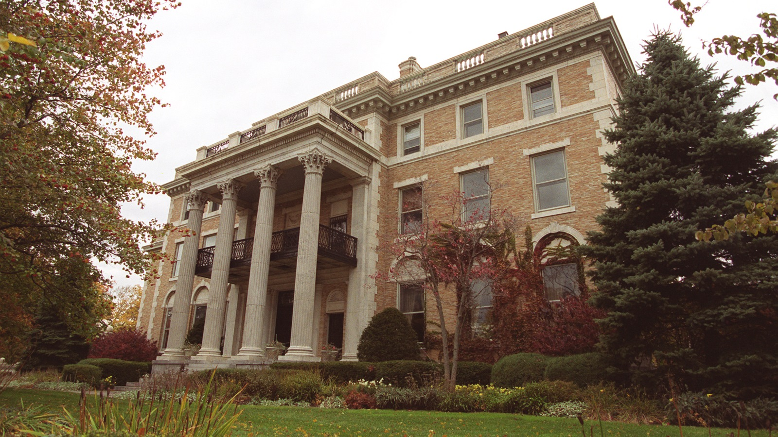 The Butler Mansion in October 1999, at the corner of Delaware Avenue and North Street. (Buffalo News file photo)
