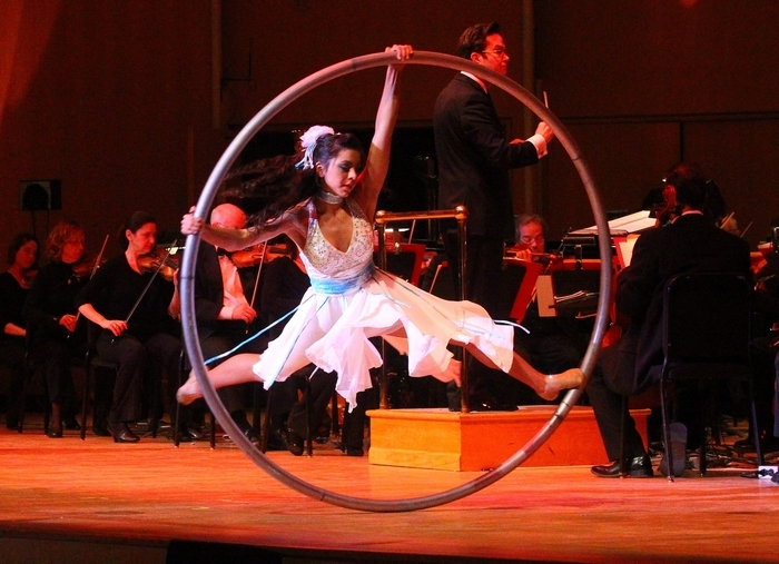 "One of the ""Cirque Musica"" performers thrills the crowd at Saturday's Buffalo Philharmonic Orchestra concert. (John Hickey/Buffalo News)"