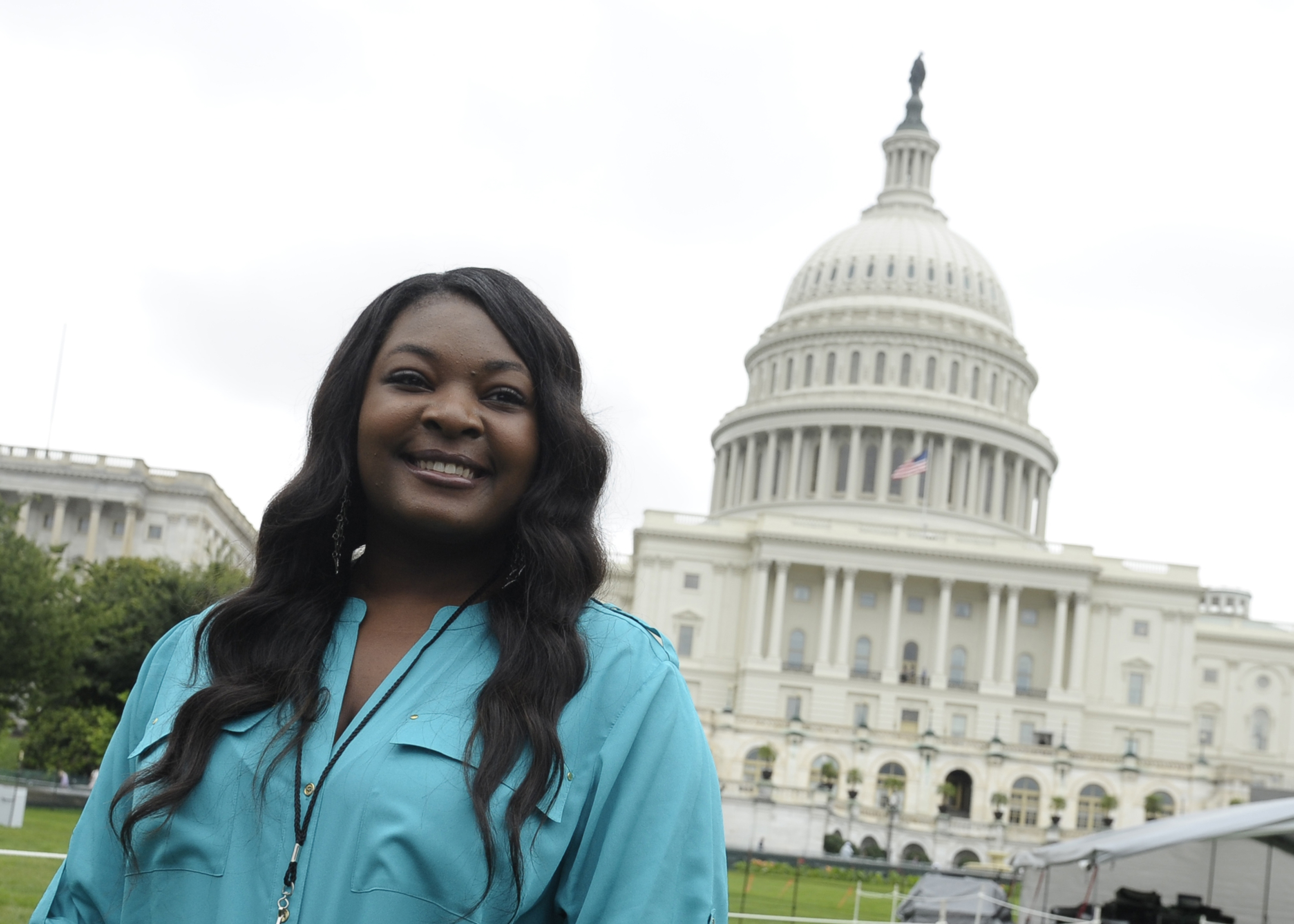 American Idol winner Candice Glover will help reopen the Washington Monument during a May 12 ceremony.